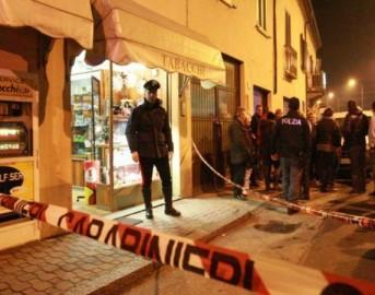 Rapina a Napoli: lutto cittadino, caccia ai killer