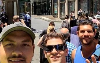 Sydney ostaggi in cioccolateria: i selfie della vergogna di turisti e passanti