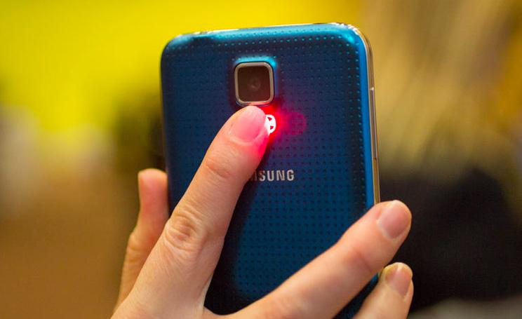 Samsung aggiorna touchwiz per il galaxy s6 edge novit for Smartphone in uscita 2015