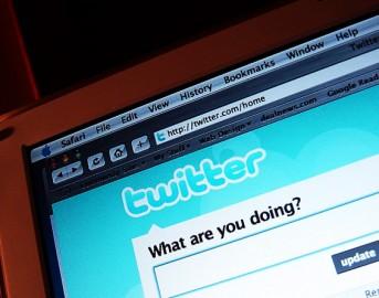 """Twitter come WhatsApp Plus e Facebook su iOS e Android? Arrivano chat di gruppo e video da 30"""""""