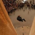 ISIS jihadisti gay adultera immagini crocifissioni