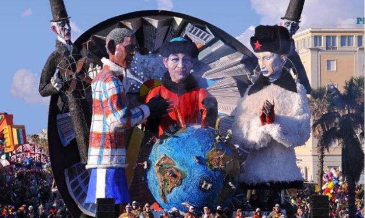 Carnevale Viareggio 2015 carro con Putin e Obama