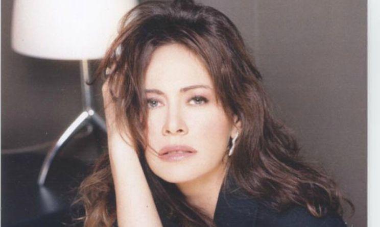 Elena Sofia Ricci l'attrice di Che Dio ci aiuti ospitata a Sanremo