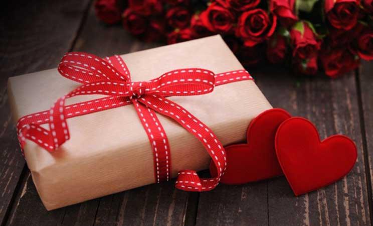 San Valentino 8 regali last minute per lei originali libro