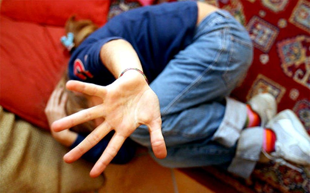 Bidello abusava di alunna di quarta elementare