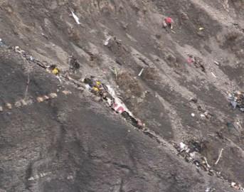 """Aereo caduto Germanwings, novità dalle indagini: """"Guasto tecnico non escluso"""""""