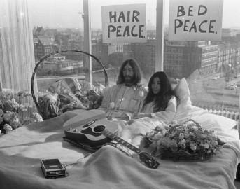 John Lennon e Yoko Ono, 46 anni dopo il bed-in: ecco le azioni contro la guerra più curiose di sempre