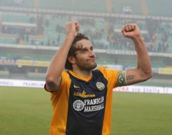 Luca Toni si ritira: domani l'annuncio dell'addio al calcio, contro la Juventus l'ultima al Bentegodi