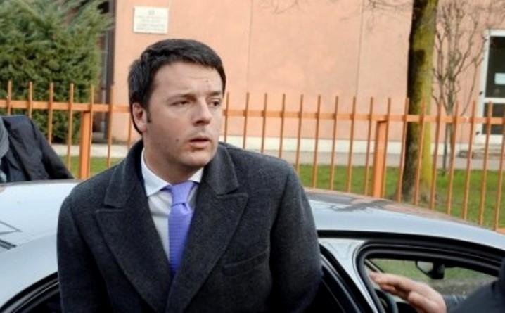 Matteo Renzi atterraggio d'emergenza