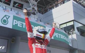 Formula 1, Gp Malesia: straordinario Vettel che trionfa sulle Mercedes, quarto Raikkonen in rimonta
