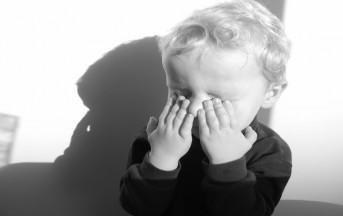 Come calmare i bambini: lo sapete che effetto fanno tablet e smartphone?