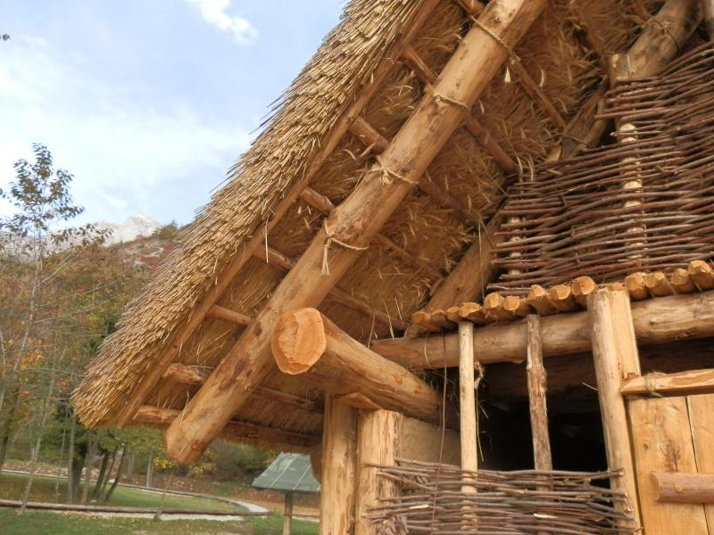 Case di paglia che sospresa sicure ecosostenibli for Piani di casa di balle di paglia di struttura in legno