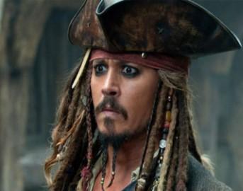 Johnny Depp news, l'attore e la patologia per il lusso: due milioni al mese non bastano
