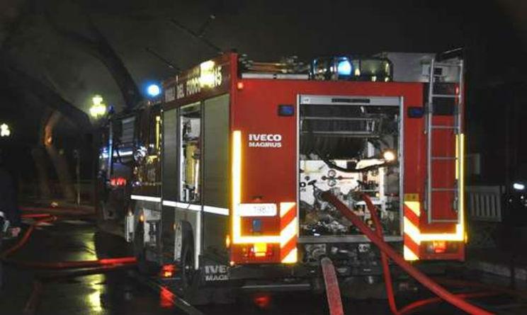 Bari attentato in sala giochi 8 feriti uno grave for Sala giochi del garage