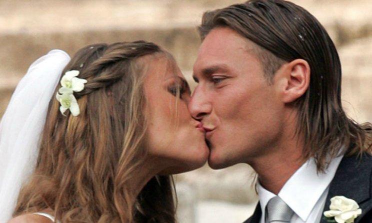 Francesco Totti Ilary Blasi anniversario di nozze