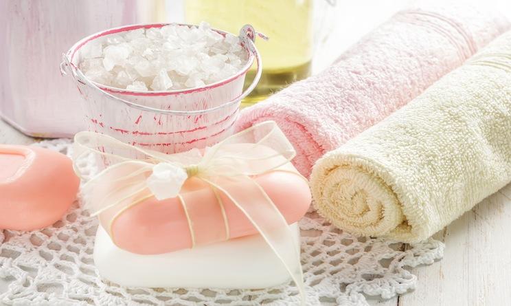 Arredare casa idee ecco come avere un bagno in perfetto - Bagno stile shabby ...