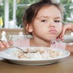Ecco alcuni consigli per rendere sereni i pranzi con i bambini che non mangiano
