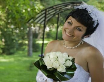 Capelli 2015 tendenze spose: le acconciature con tagli corti ideali per il giorno delle vostre nozze