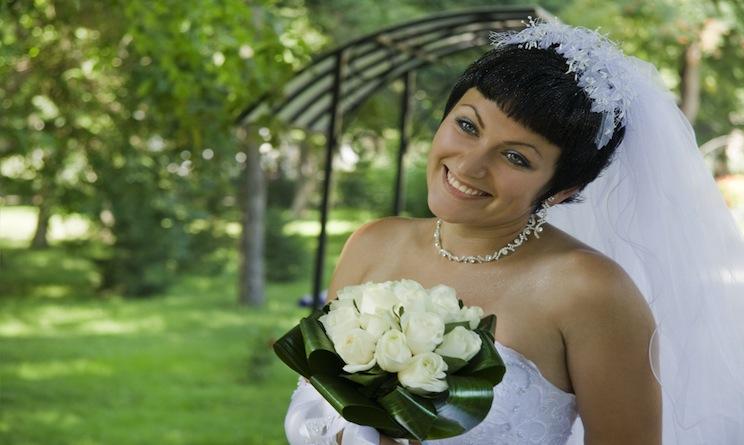 Ecco le acconciature per tagli corti perfette per il vostro matrimonio