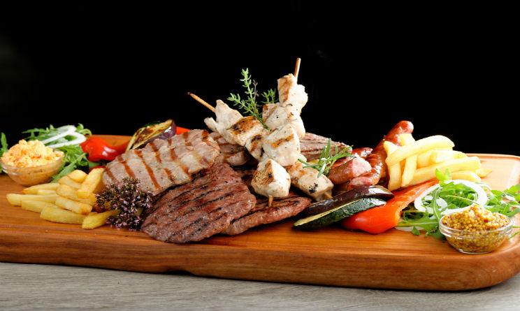 Piatto di carne grigliata. Image Credit: Shutterstock