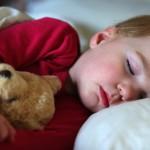Come insegnare ai bambini ad addormentarsi da soli utili consigli