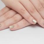 Ecco tutti i trucchi per realizzare la french reverse manicure