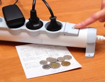 Risparmiare energia elettrica in casa: tutti i trucchi per ridurre i costi delle bollette