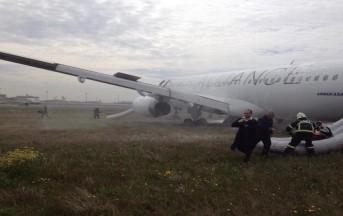 Selvaggia Lucarelli: testimonianze in diretta dai passeggeri italiani sul volo della Turkish Airlines