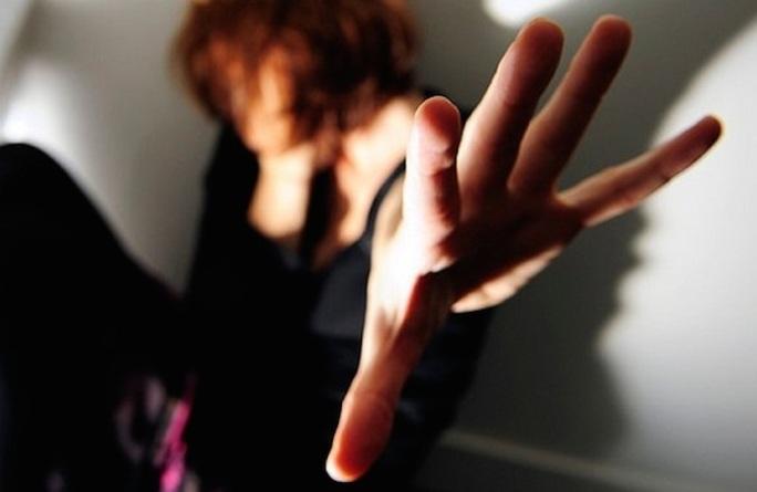Frosinone donna aggredita con acido a Livorno