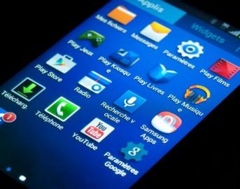 Samsung Galaxy A8 vs  Galaxy S6: confronto con il top di gamma sbarcato in India