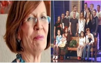 Gravidanza tardiva: supermamma di 13 figli dà alla luce 4 gemelli a 65 anni