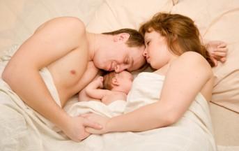 Co-sleeping: dormire tutti nel lettone, ecco di cosa si tratta