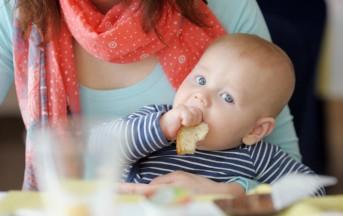 Svezzamento neonato, regole semplici per mamme alle prime armi