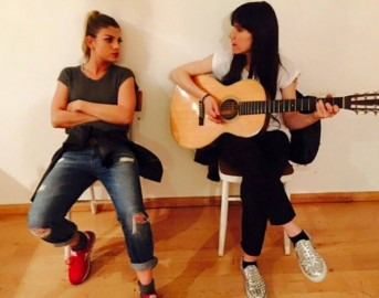 Elisa 20 anni in ogni istante su Canale 5, gli ospiti: Alessandra Amoroso, Fiorella Mannoia ed Emma Marrone