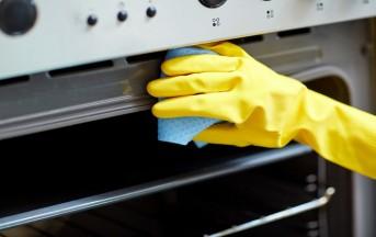 Come pulire il forno: metodi naturali e low cost