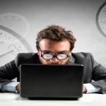 Ecco 7 sintomi per capire se si è dipendenti da internet