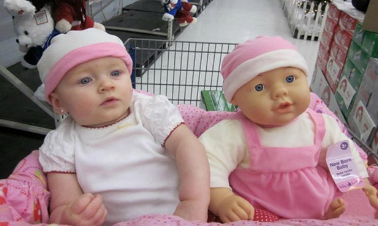 Eccezionale Bambini foto divertenti, ecco le immagini con i loro pupazzi  WG43
