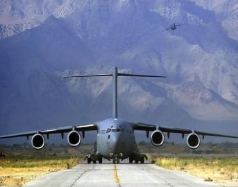 Indonesia aereo militare si schianta su case, almeno 30 i morti