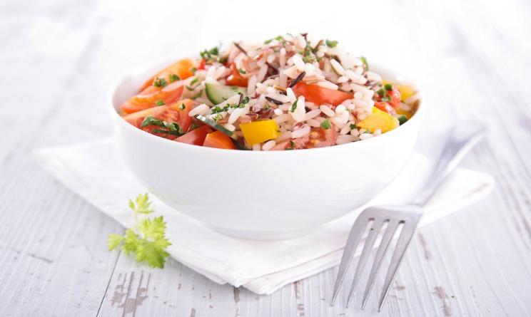 Ecco l'insalata di riso vegetariana