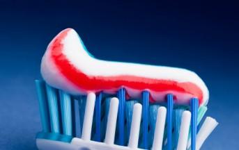 Pulizie con il dentifricio: 5 usi geniali e alternativi per far risplendere casa