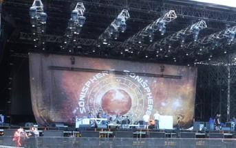 Sonisphere 2015 Metallica: i fan sul palco con la band, la Summer Arena di Assago esplode