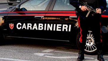 napoli carabinieri arrestati