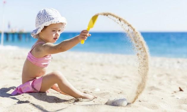Bambini in spiaggia cosa portare per non farsi trovare - Cosa portare in vacanza per i bambini ...