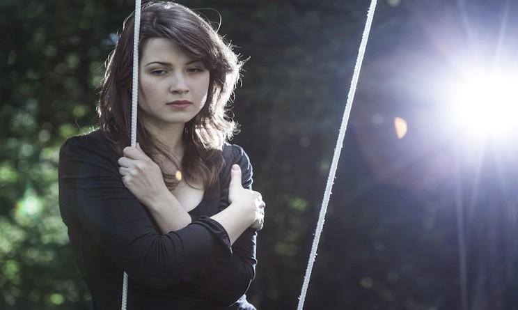 8 consigli per aiutare un amico che soffre per un lutto ...
