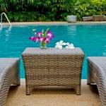 come arredare casa con giardino, come arredare giardino con piscina, arredamento idee e consigli