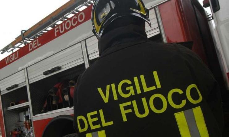 Esplosione a Garbatella: fuga di gas da un appartamento, tre feriti