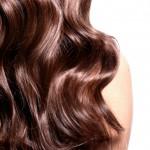 Capelli mossi come fare, clio make up, capelli mossi effetto naturale