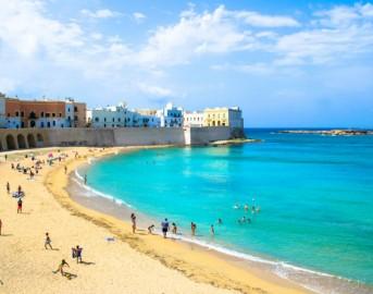 Le 10 spiagge dove si rimorchia di più: ecco le mete da scegliere per una vacanza da single