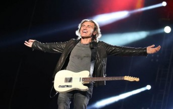 Ligabue Made In Italy Tour 2017, Liga come Bruce Springsteen: duetto con una giovanissima fan, è virale (VIDEO)