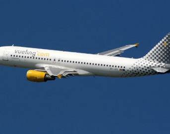 Fiumicino, ancora voli cancellati: Vueling diffidata dall'Enac